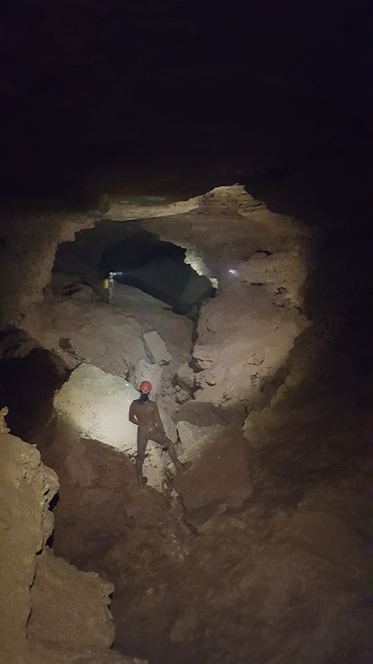 Drone flying in Carroll Cave.